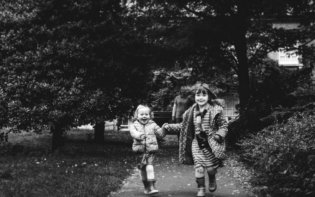 NORTHAMPTONSHIRE FAMILY PHOTOGRAPHY   JULIE, GARETH, EVIE & LILY